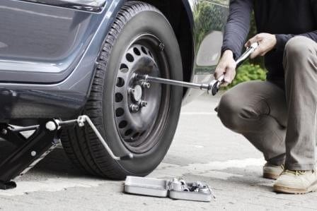 How to put on a spare tire - 4